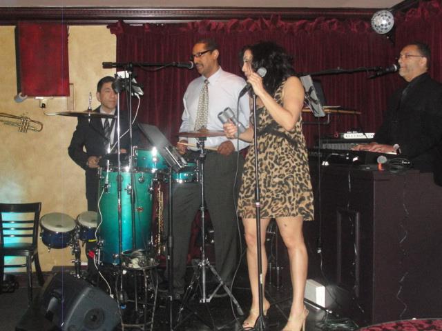4thebeat Band Performing At Villa Verone 416 Hamilton St