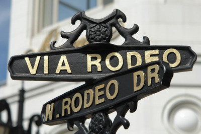 SEE RODEO DRIVE IN BEVERLY HILLS, CA