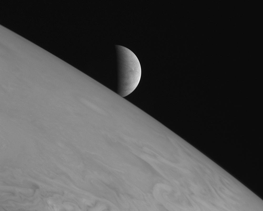 Image taken by New Horizons spacecraft.. Image Credit: NASA / JHUAPL / SwRI