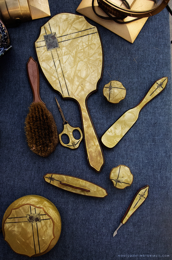 lovely gold grooming implements