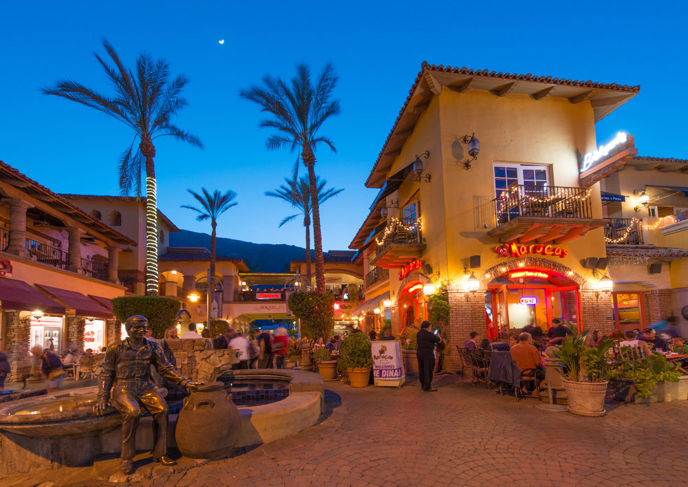 Downtown Palm Springs is just two blocks from Vallera Palm Springs