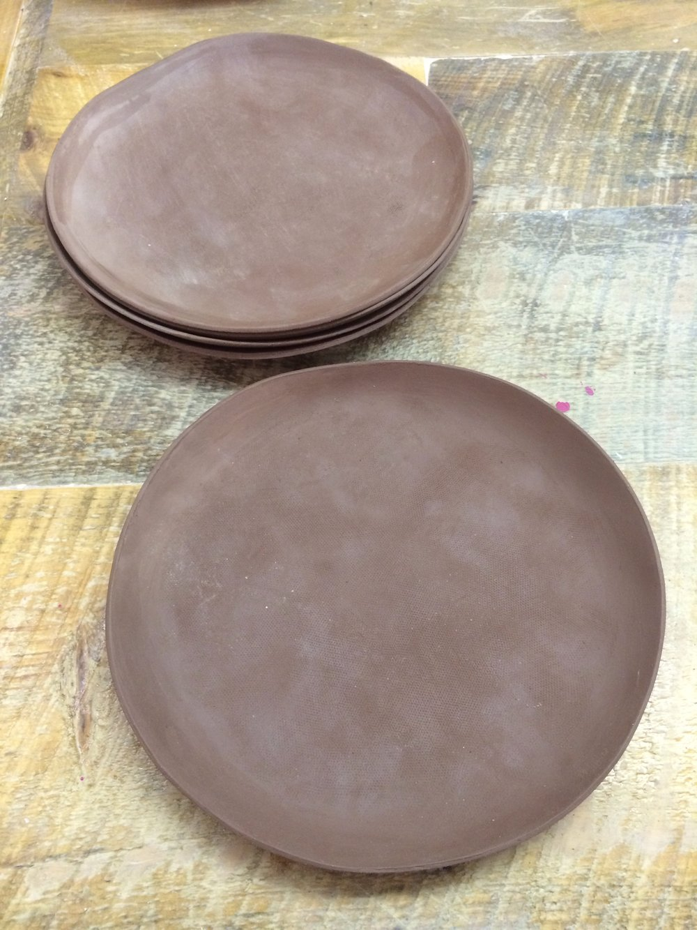 Slab plate. Rolled out flat to about 4-5mm thick cut to size & Speckled Clay Bowls and Plates u2014 Patty Yuan