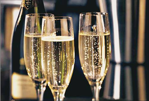 Champagne_Flutes.jpg