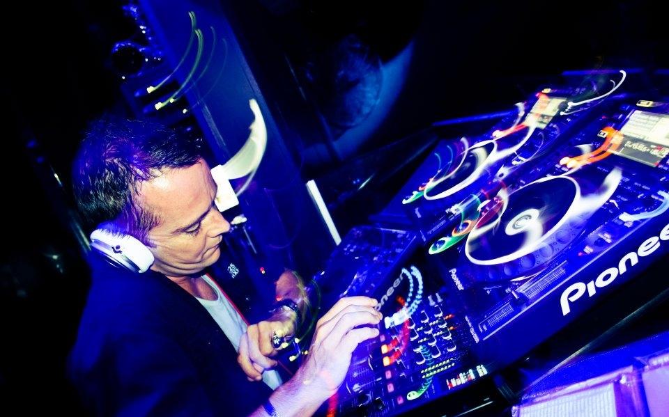 DJ:MC2.jpg