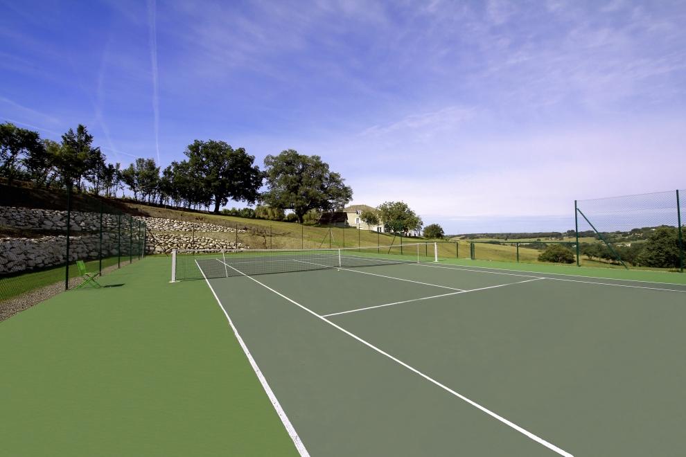 De LUxe Tennis.jpg