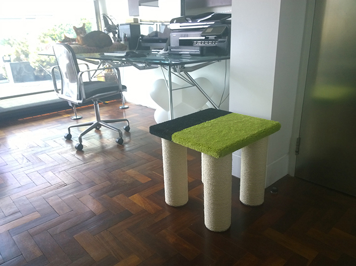 Sisal Rope Stool Scratcher in Green/Black Twist Pile carpet
