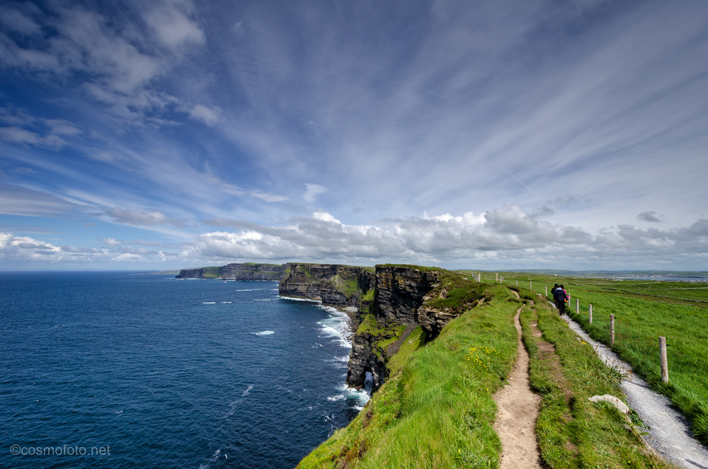 Trail ahead! Looking north from the trail head towards the Cliffs of Moher.