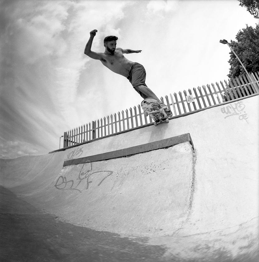 BS Tailslide - Photo: Graham Tait