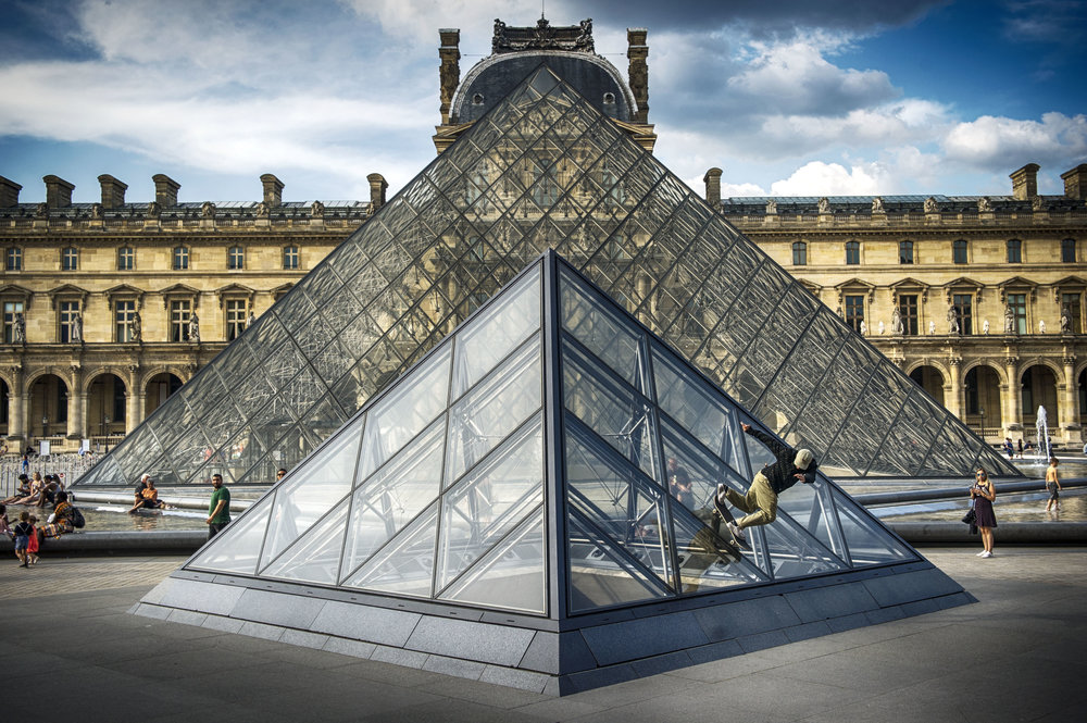 LEO VALLS POWER SLIDE LE LOUVRE_MANAUD.jpg