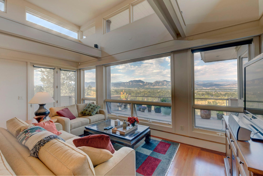 1871 Continental View Dr-large-002-28-Living Room View-1500x1000-72dpi.jpg