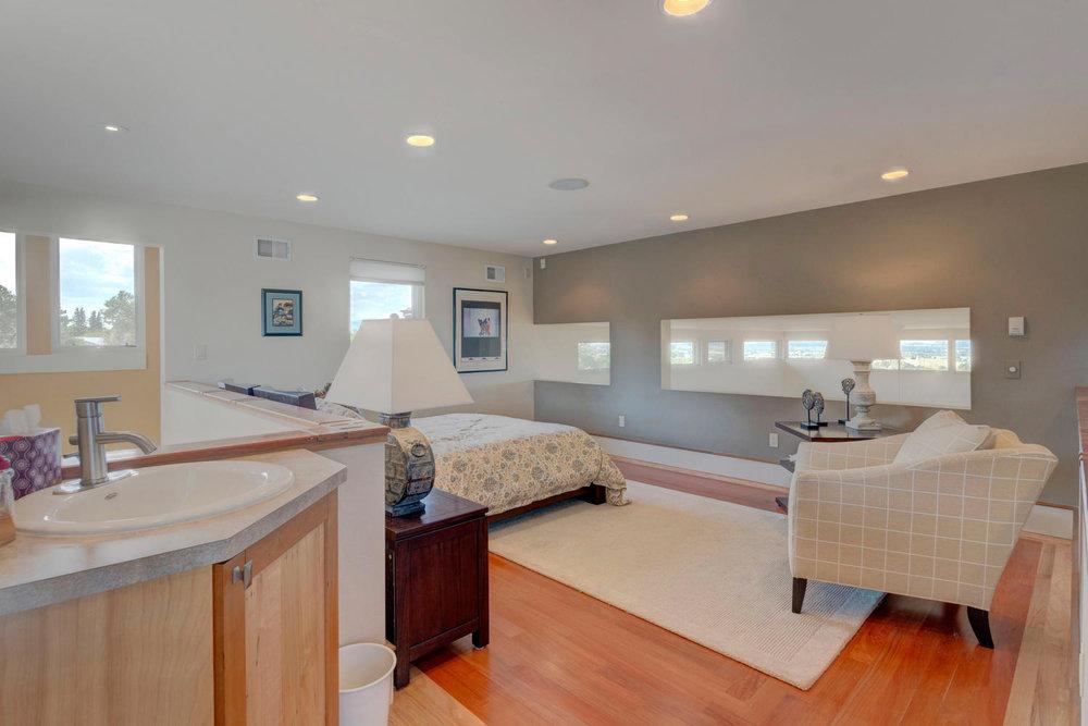 Art Loft / Guest Suite
