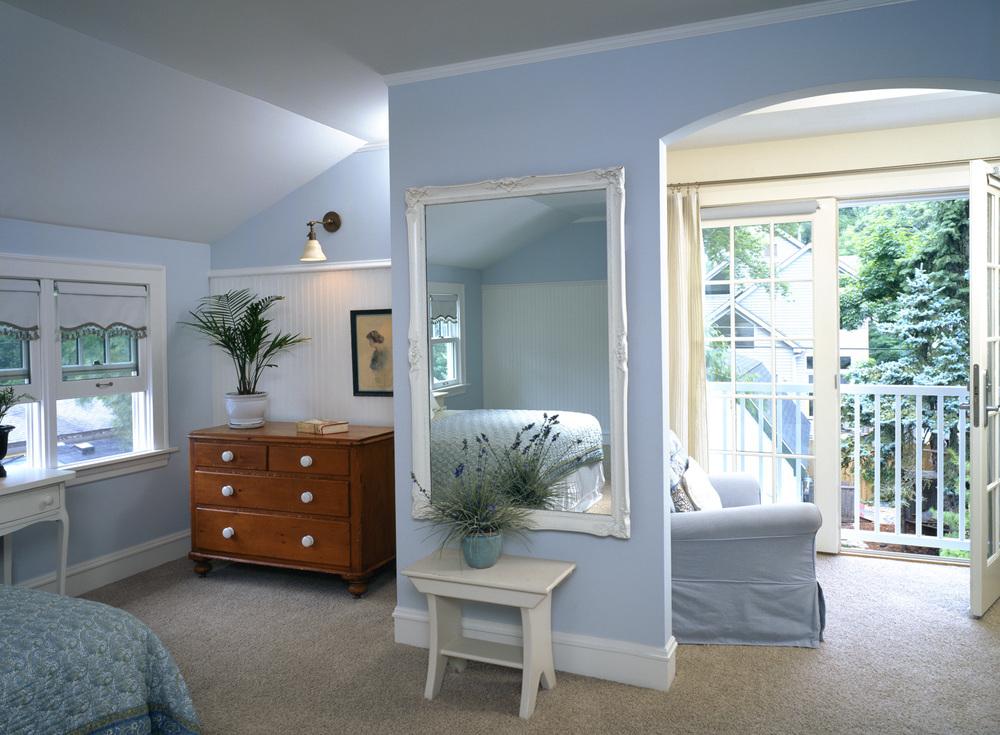 bedroom 150.jpg