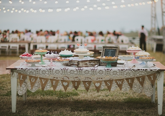Tessa J. Photography  via  100 Layer Cake