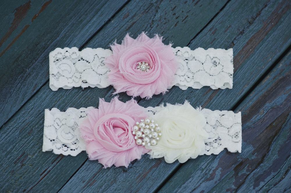 Melissa McCrotty Photography . This is the garter set I purchased on Etsy for my own wedding.