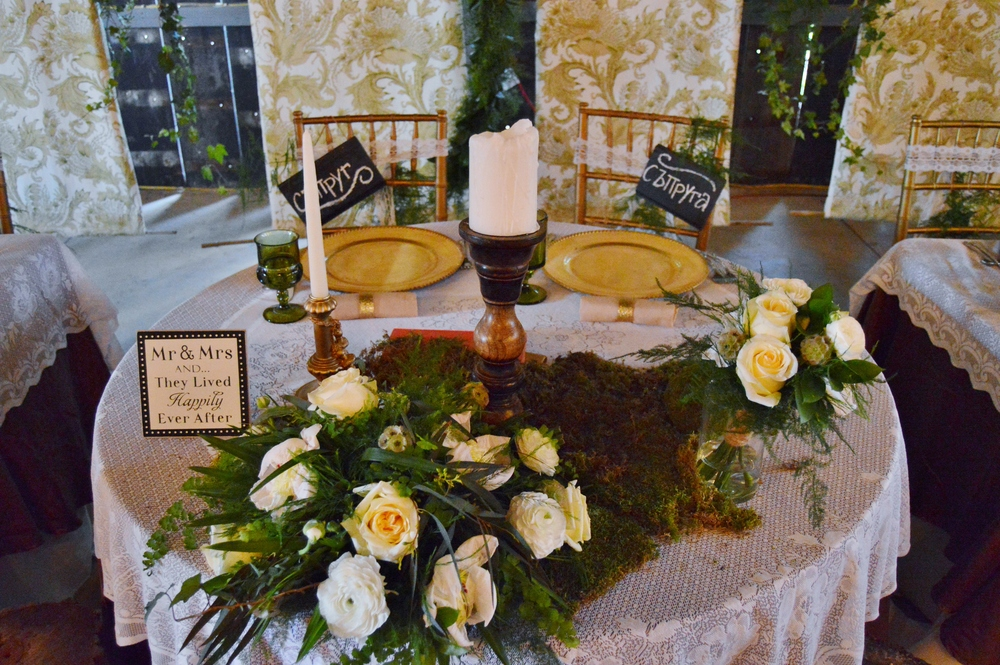 Sweetheart table details. Love!