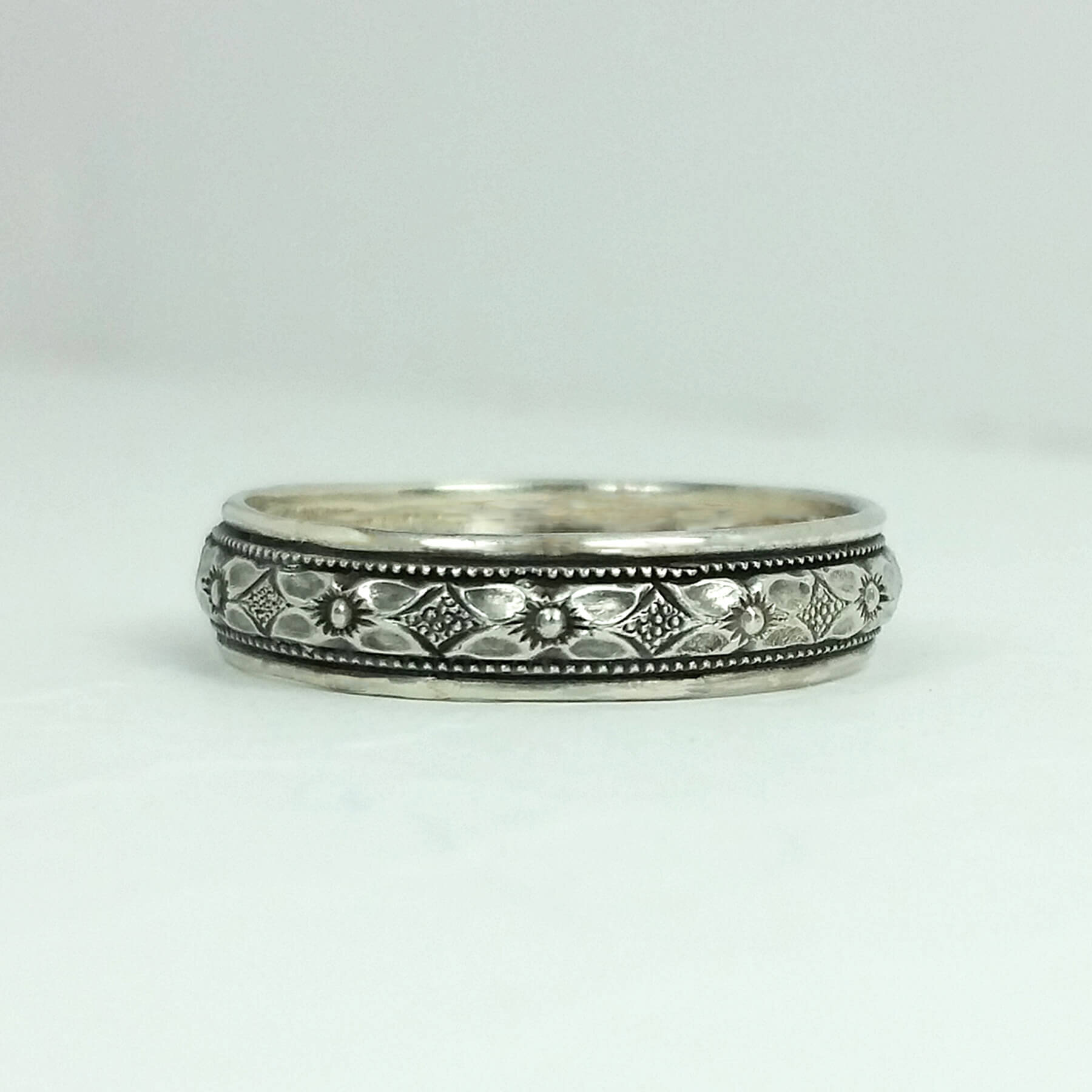 Wedding Bands For Women.Woman S Edwardian Floral Diamond Wedding Band In Sterling Silver Kryzia Kreations Whimsical Nature And Vintage Inspired Artisan Jewelry