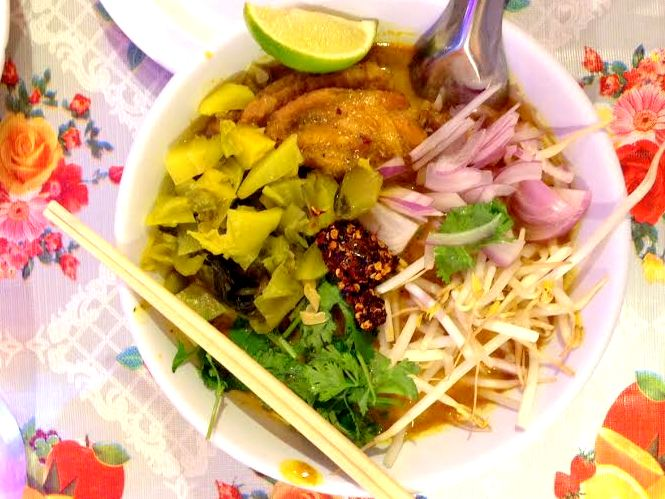 night market khao soi