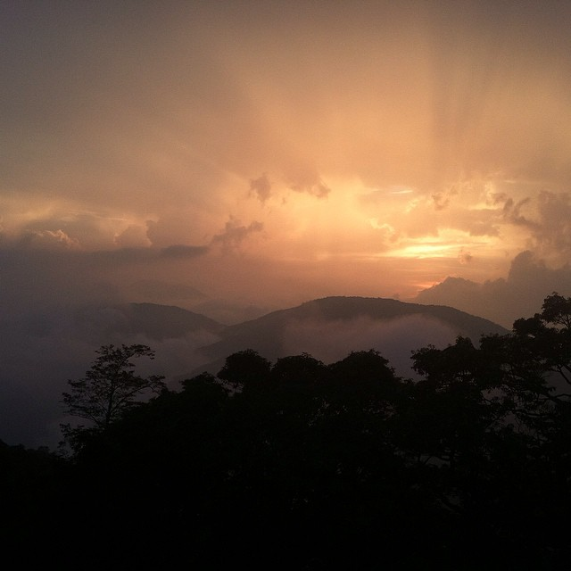 夕陽,仁和路,南投縣  Sunset,Renhe Road,Nantou County    從我台灣的行程  From my Taiwan trip    下一次見  See you next time    #台灣  #taiwan    #沒濾鏡  #nofilter