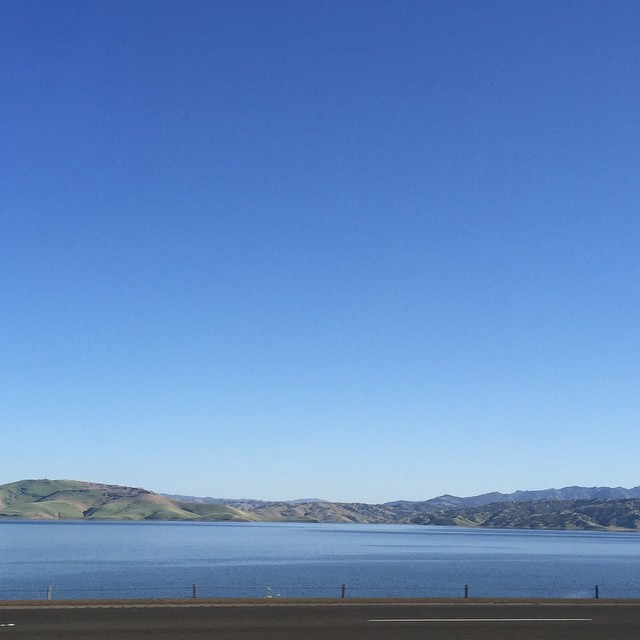 Blue sky at #SanLuisResevoir