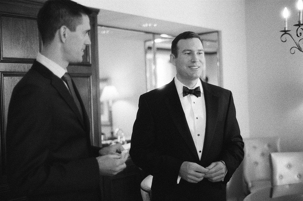 Nemours-Delaware-Art-Museum-Fine-Art-Film-Wedding-Photographer-03.jpg