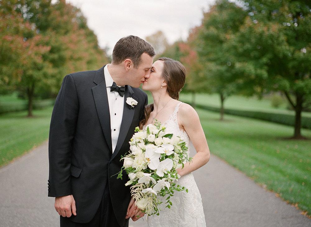 Nemours-Delaware-Art-Museum-Fine-Art-Film-Wedding-Photographer-32.jpg