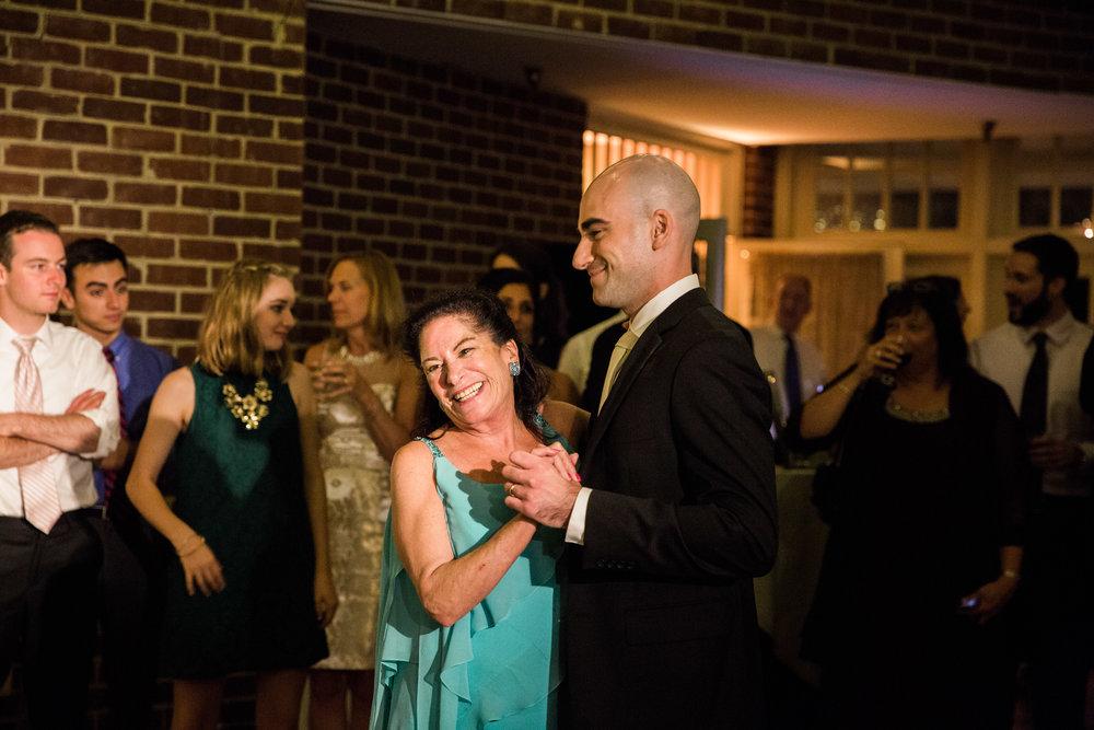 118-Governor-Calvert-Annapolis-Maryland-Wedding-MA17.jpg