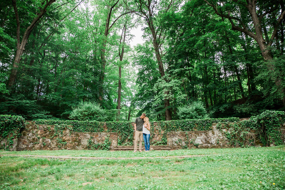 016-Wilmington-Delaware-Summer-Garden-Engagement-Emily-Andrew.jpg