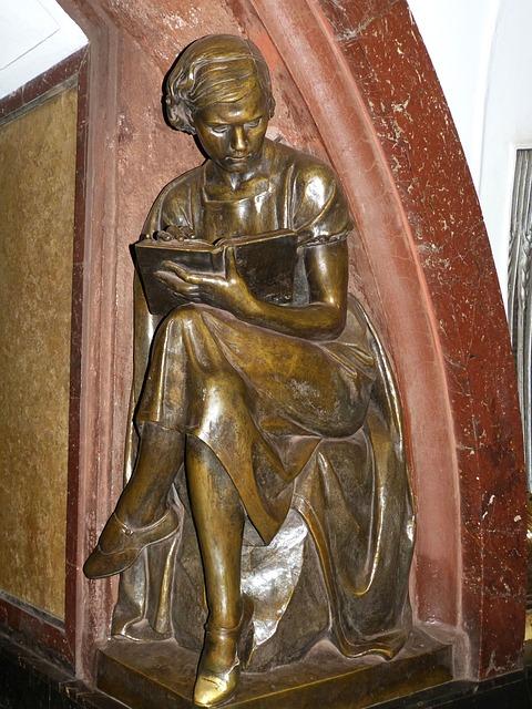 Bronze statue by Matvey Manizer (1891-1966), Ploschad Revolyutsii Metro Station, Moscow, Russia