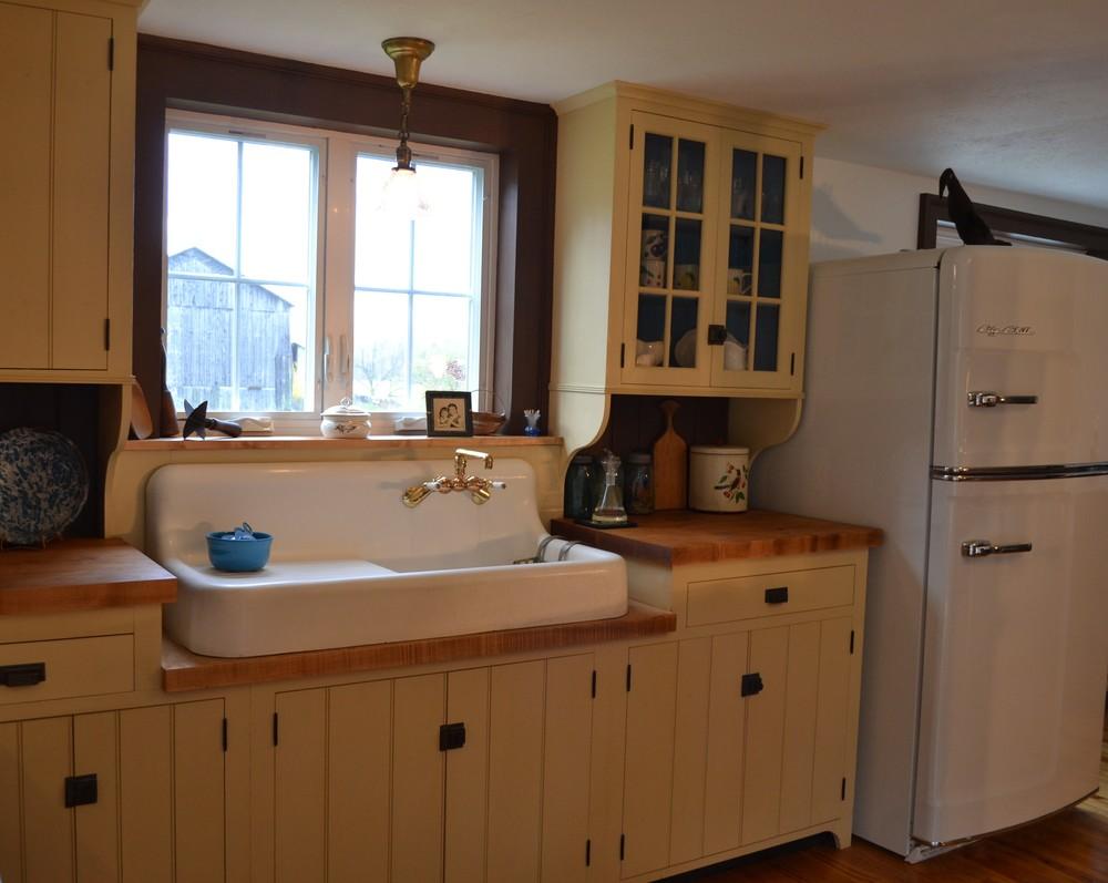 historically inspired kitchen cabinets custom cabinetry  u2014 shenandoah restorations  rh   shenandoahrestorations net