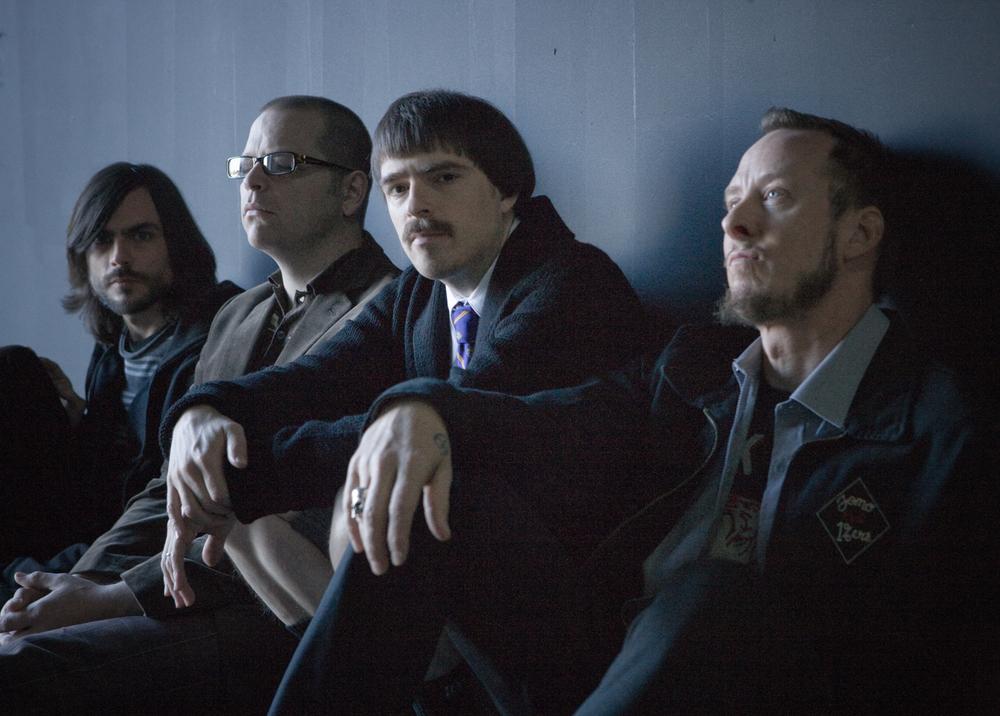 Weezer. Rivers Cuomo, Scott Shriner, Patrick Wilson, Brian Bell. Photo bySean Murphy