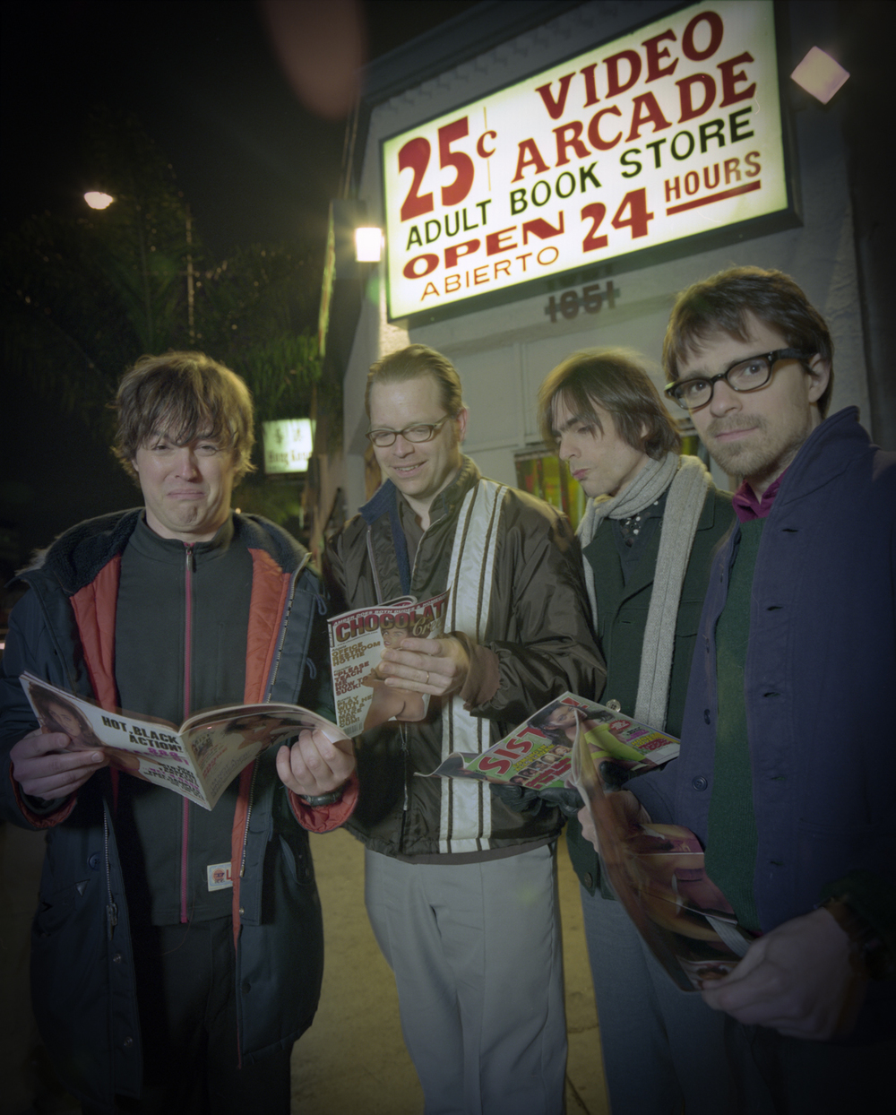 Weezer. Rivers Cuomo, Mikey Welsh, Patrick Wilson, Brian Bell. Photo by Sean Murphy