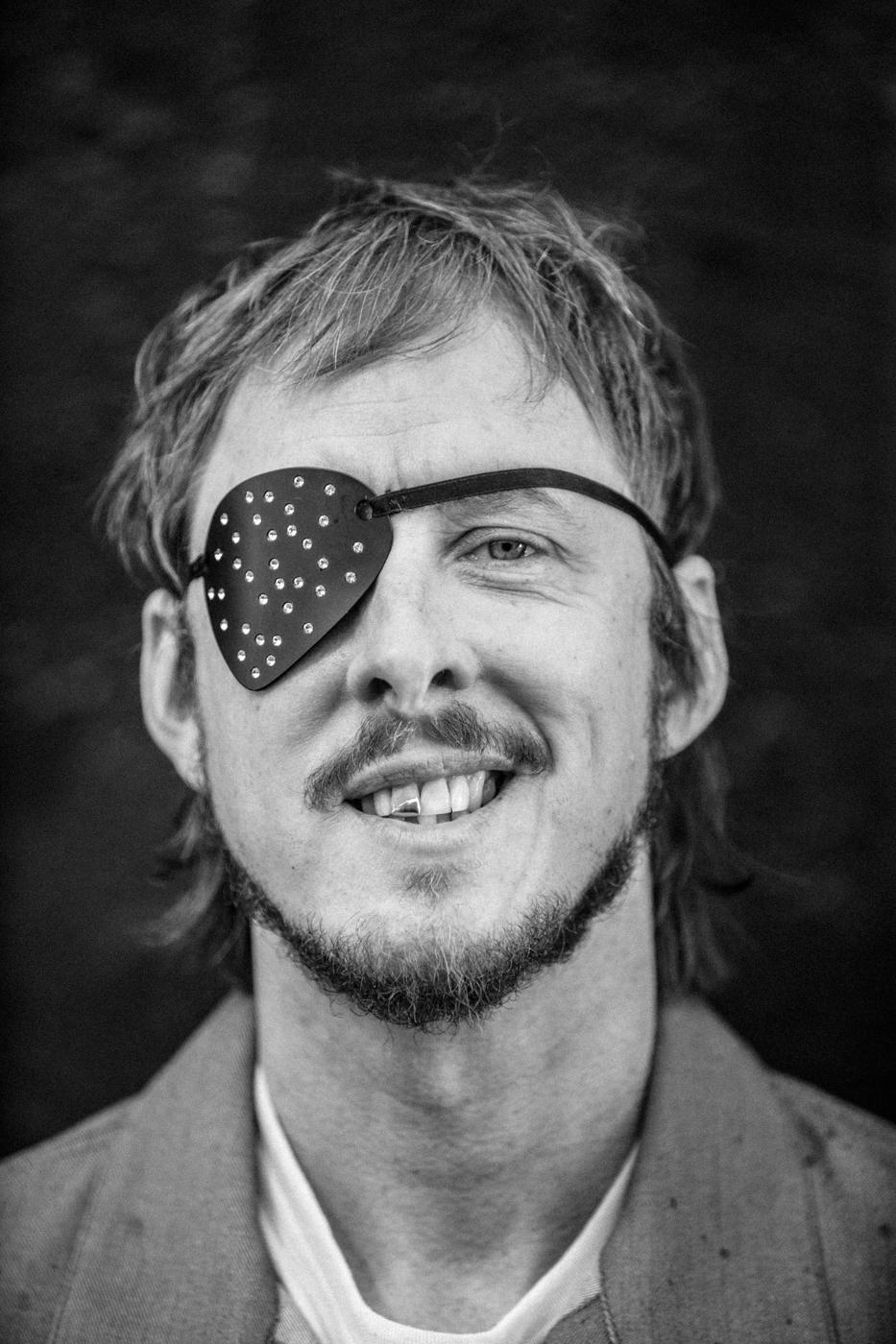 Weezer. Scott Shriner. Photo bySean Murphy