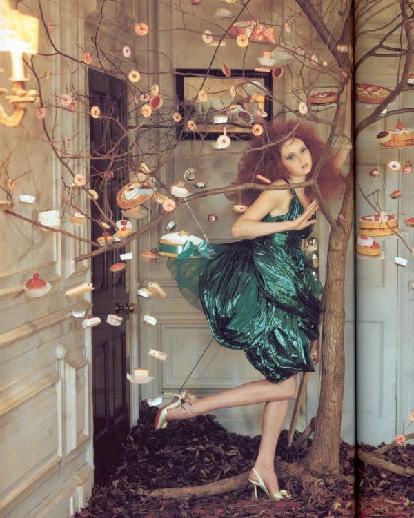 Vogue-IT-July-2005-IFB-PhotosBy-Tim-Walker-01