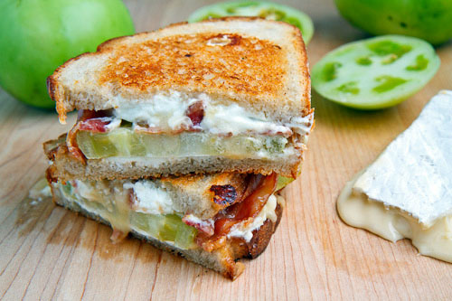 Grilled Brie and Goat Cheese Sandwich with Bacon and Green Tomato 500 2277