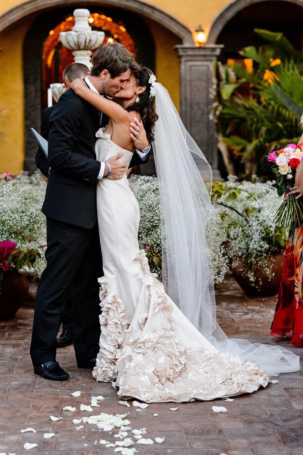 Apollina and Brad's wedding photos from Hacienda Cerritos in Todos Santos, Mexico.