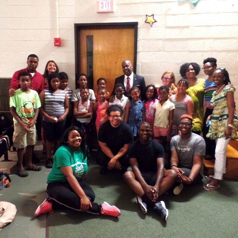 Mayor Baraka visits the New Ark Freedom School Summer Program at Thirteenth Avenue School