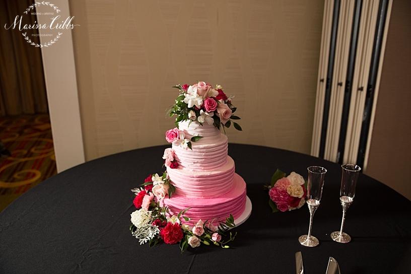 KC Airport Marriott Reception | Marissa Cribbs Photography | Wedding Cake