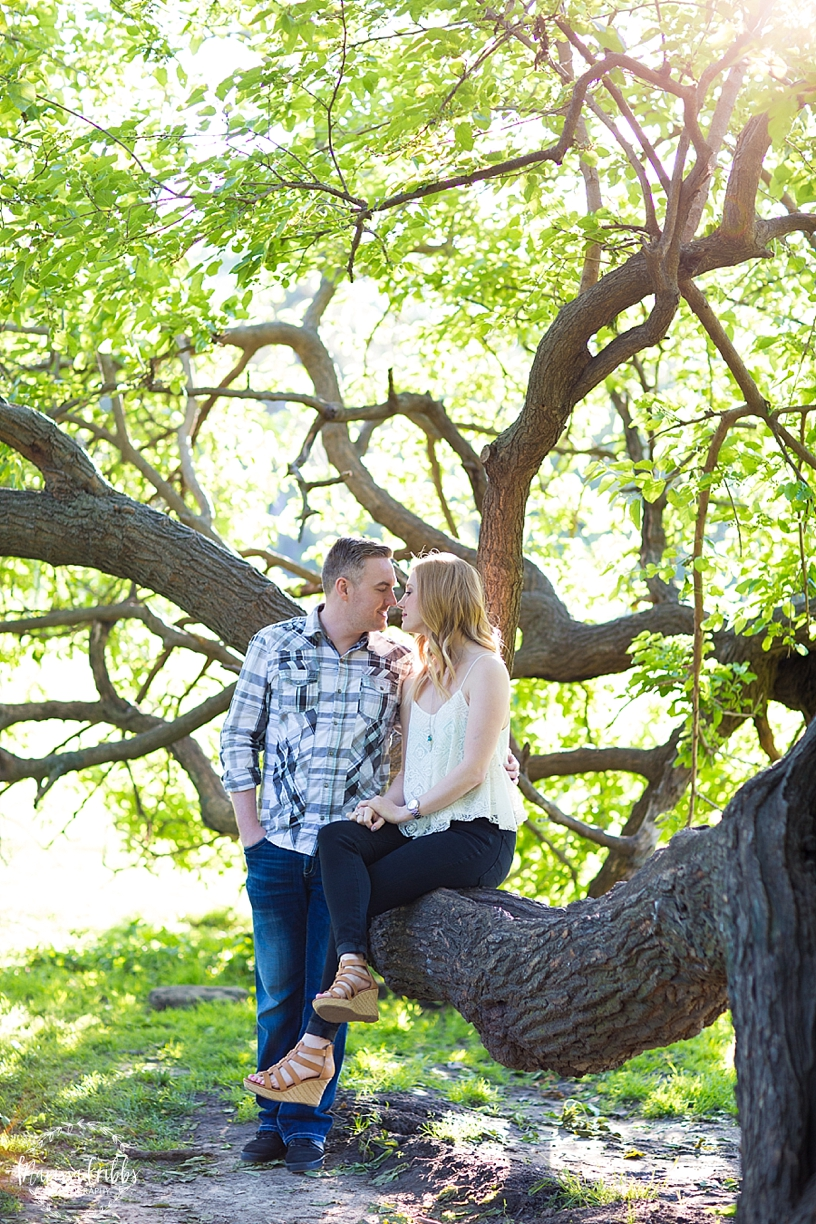 Loose Park | KC Country Club Plaza Engagement Photos | KC Engagement Photos | Marissa Cribbs Photography_3791.jpg