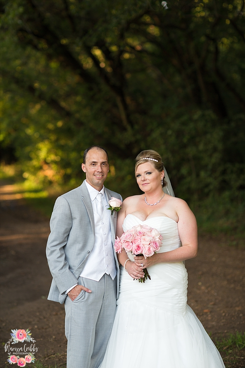 Eberly Farm Wedding | Wichita Wedding Photographer | Marissa Cribbs Photography_4804.jpg