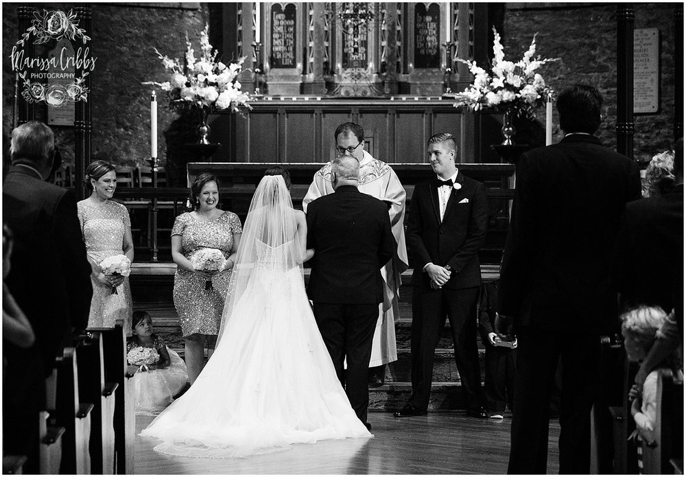 The President Hilton Wedding | KC Wedding Photographers | Emily & Dustin | Marissa Cribbs Photography_0715.jpg