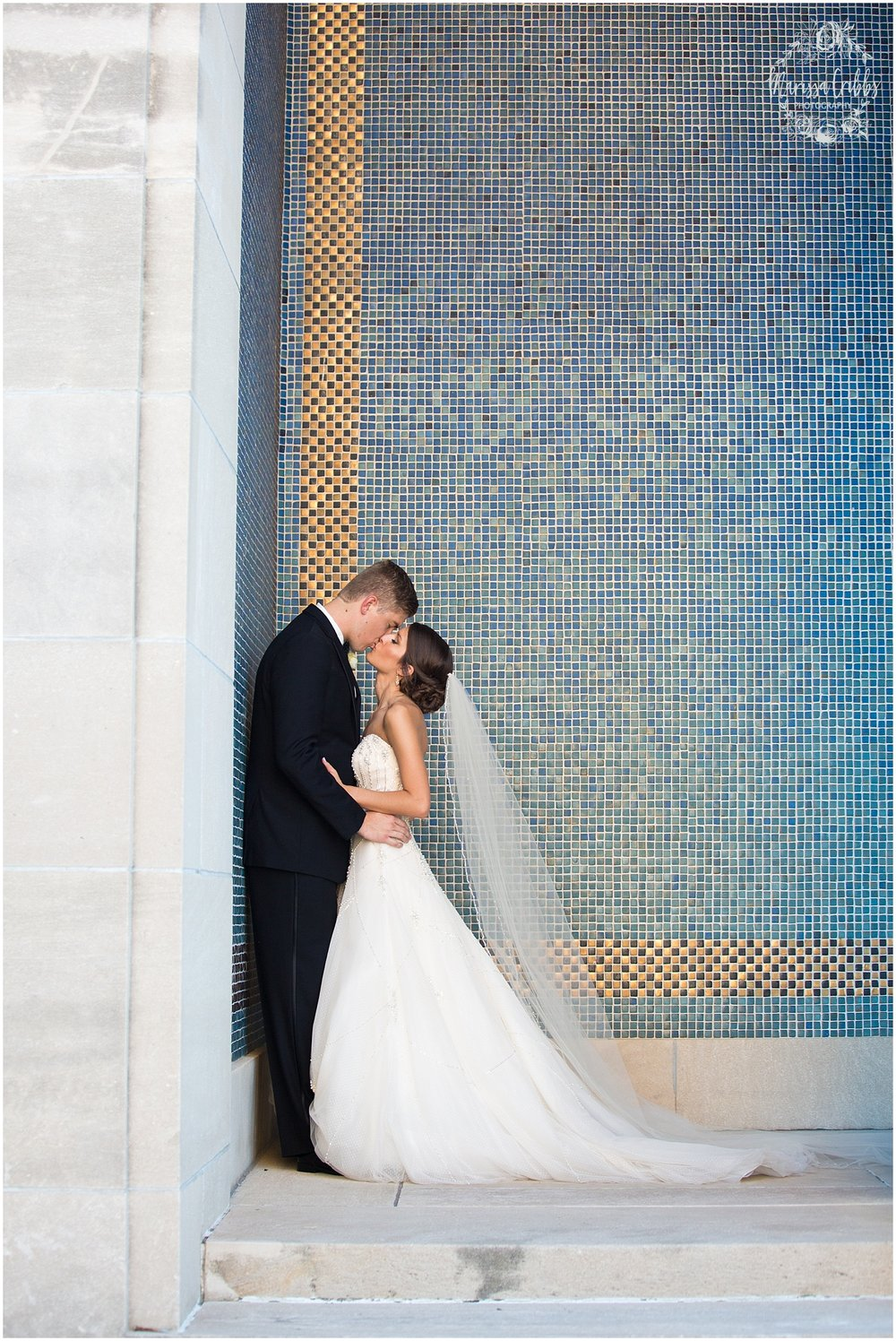 The President Hilton Wedding | KC Wedding Photographers | Emily & Dustin | Marissa Cribbs Photography_0747.jpg