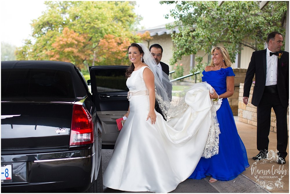 Blue Hills Country Club Wedding | Marissa Cribbs Photography | Nolte's Bridal | KC Wedding Photographer | KC Weddings_1103.jpg