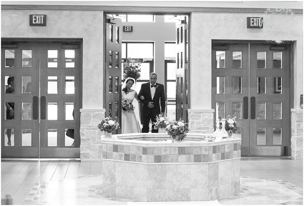 Blue Hills Country Club Wedding | Marissa Cribbs Photography | Nolte's Bridal | KC Wedding Photographer | KC Weddings_1107.jpg