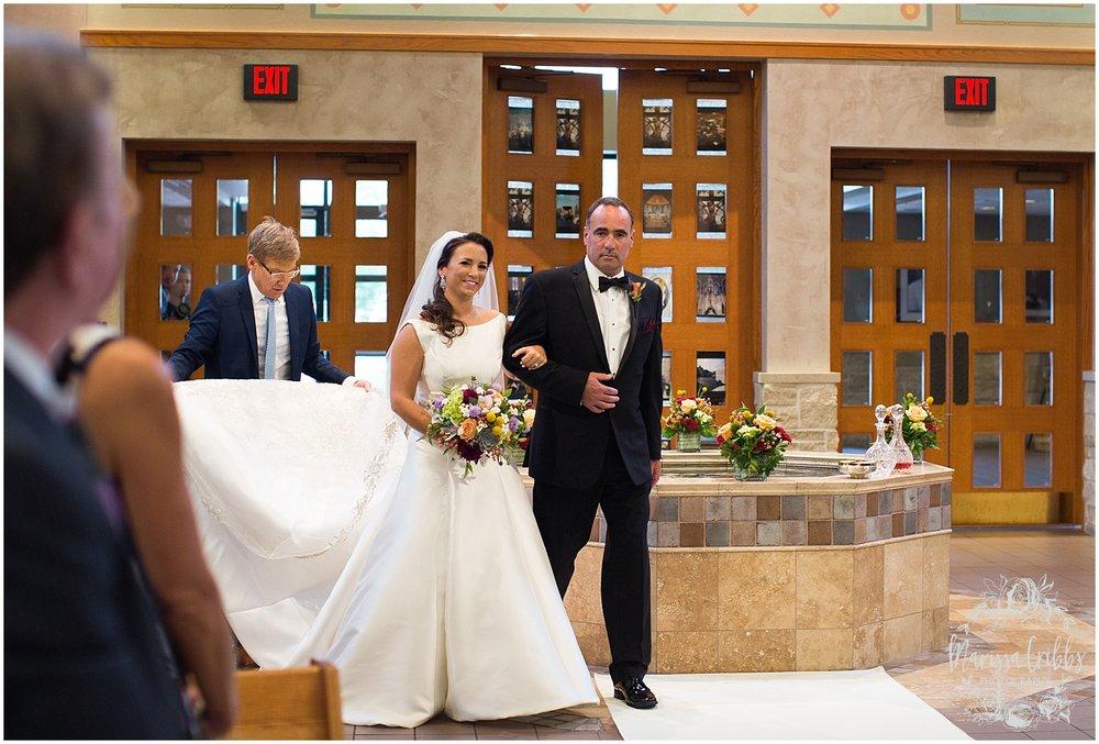 Blue Hills Country Club Wedding | Marissa Cribbs Photography | Nolte's Bridal | KC Wedding Photographer | KC Weddings_1108.jpg