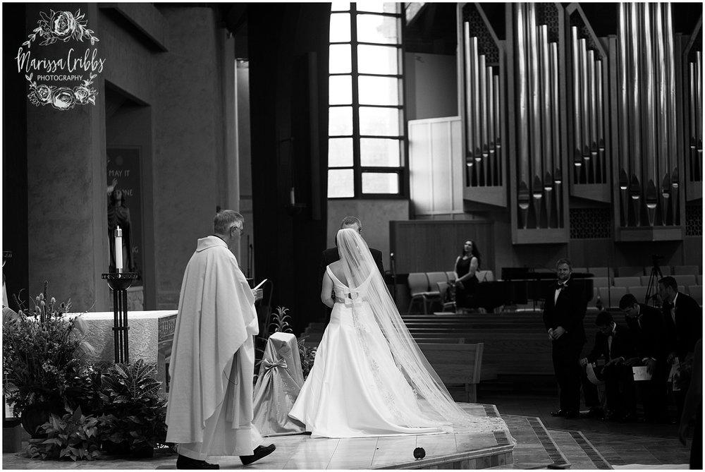 Blue Hills Country Club Wedding | Marissa Cribbs Photography | Nolte's Bridal | KC Wedding Photographer | KC Weddings_1113.jpg
