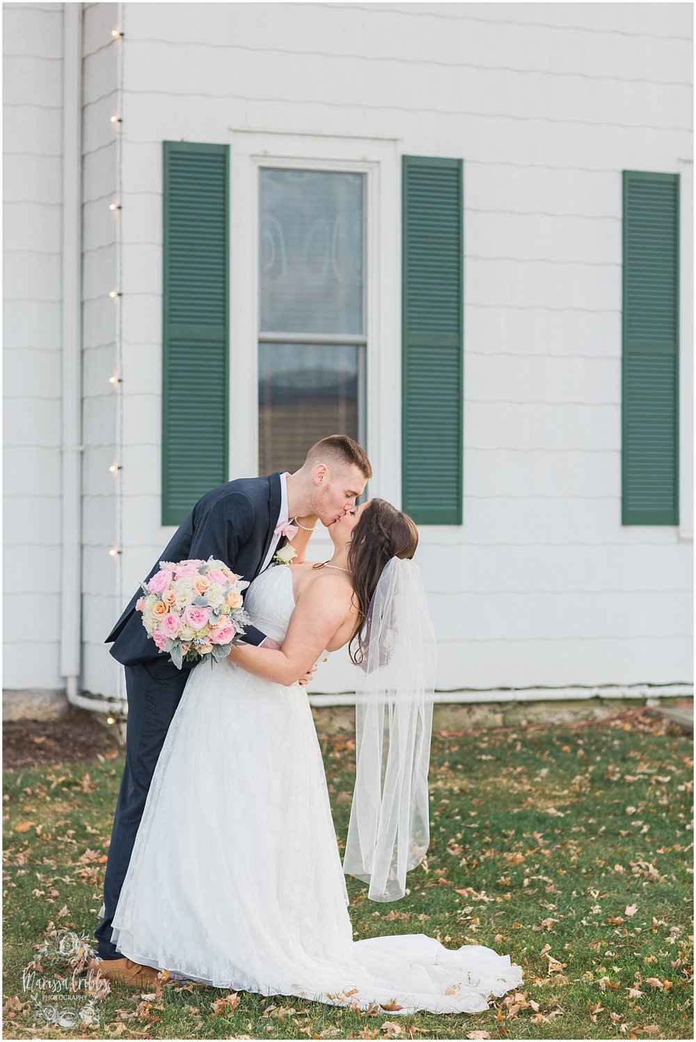 Thompson Barn Wedding | KC Wedding Photographer | Marissa Cribbs Photography_1521.jpg