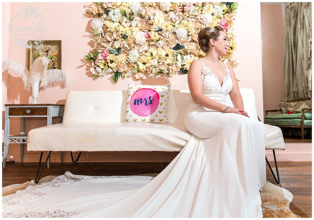 Bride & The Bauer Wedding | Hannah & Jeff | KC Wedding Photographers | Rainy Wedding Photos KC | Marissa Cribbs Photography_1019.jpg