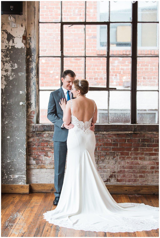 Bride & The Bauer Wedding | Hannah & Jeff | KC Wedding Photographers | Rainy Wedding Photos KC | Marissa Cribbs Photography_1031.jpg