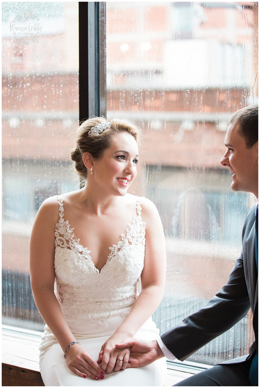 Bride & The Bauer Wedding | Hannah & Jeff | KC Wedding Photographers | Rainy Wedding Photos KC | Marissa Cribbs Photography_1035.jpg