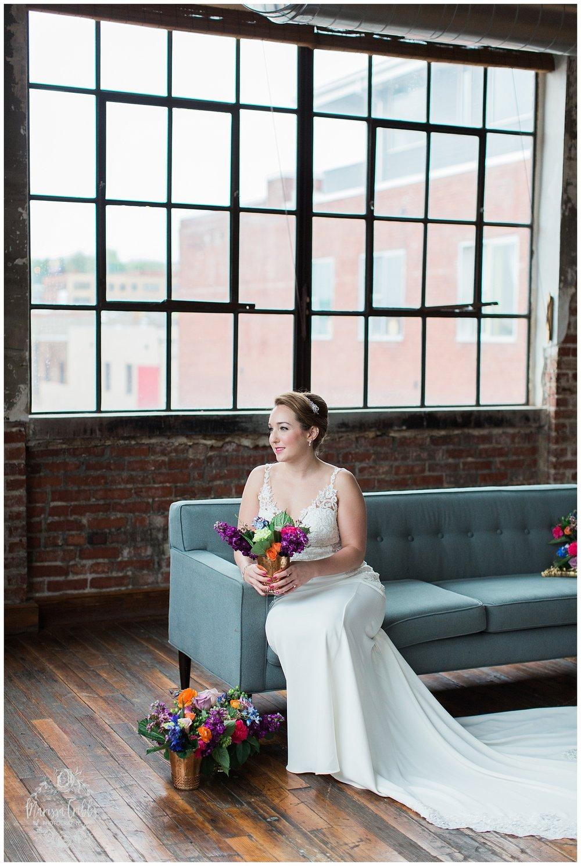 Bride & The Bauer Wedding | Hannah & Jeff | KC Wedding Photographers | Rainy Wedding Photos KC | Marissa Cribbs Photography_1050.jpg